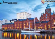 The iconic food market in the city of helsinki wit