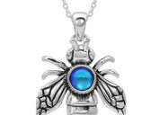 Looking for amazing bee pendants?