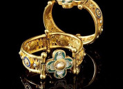 Antique jewelry is the beat jewelry