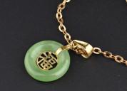 Vintage 14k gold jade good luck pendant necklace