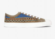 Taupe tribal low cut